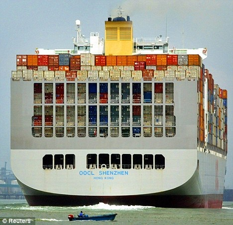 Container ships can have different designs